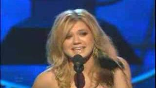 KELLY CLARKSON EXPLAINS GRAMMYS AMERICAN IDOL SNUB
