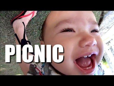 Baby Zee needs a picnic