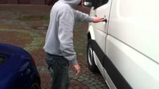 VW Crafter abgesichert mit einer Alarmanlage von Autoalarm-Berlin.de