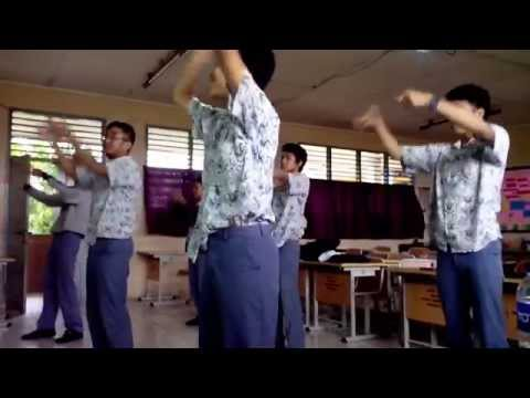 Sherina - Persahabatan [XIIA2 Dance Practice]