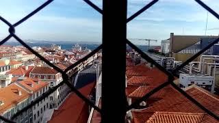 """Лифт """"Санта Жушта"""", подъем наверх и вид на Лиссабон"""