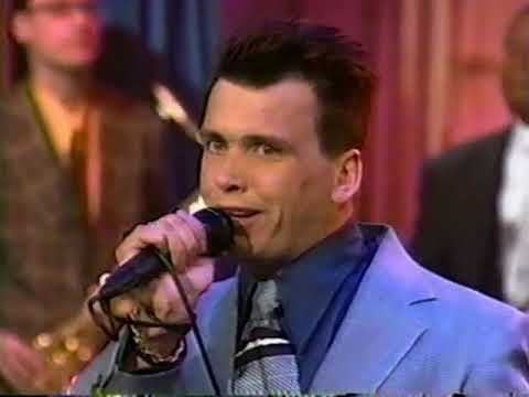 The Mighty Mighty Bosstones Performs
