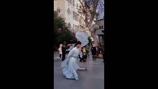 抖音 TikTok | 汉服小哥哥玩长板 Cute Asian Boy Wears HanFu Long Board Skating