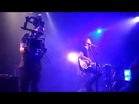 Dennis Lloyd - Breakdown (live)
