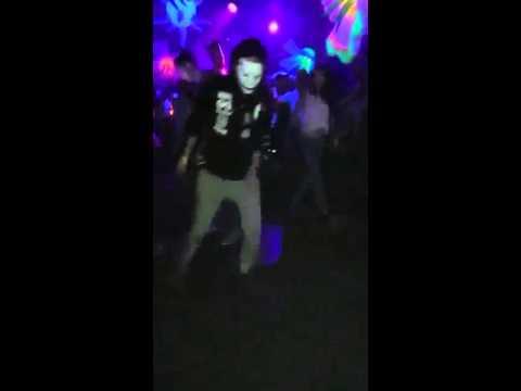 Technoweekenders - Techno Shuffle Dance Moves