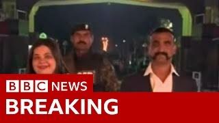 Kashmir: captured Indian pilot, freed by Pakistan - BBC News