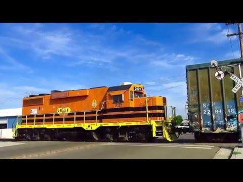 Wig Wag Railroad Crossing in Hanford, CA - 4/12/16