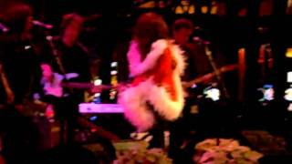 RONNIE SPECTOR-video-I saw mommy kissing santa claus (2).AVI