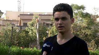 شاب عراقي من مدينة الموصل يحارب داعش بفن النحت