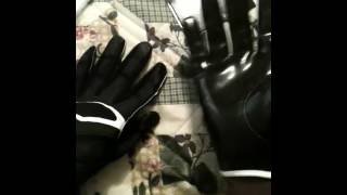 Cutters  X40 C-Tack Revolution football gloves