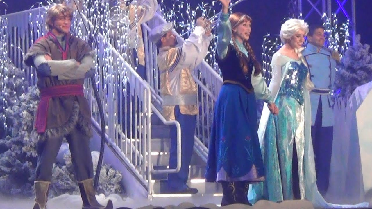 Frozen Fireworks Character Finale At Disney S Hollywood