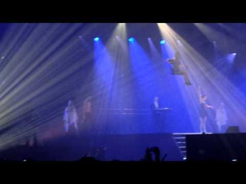 AO 2010 - Curtain Opens! 2