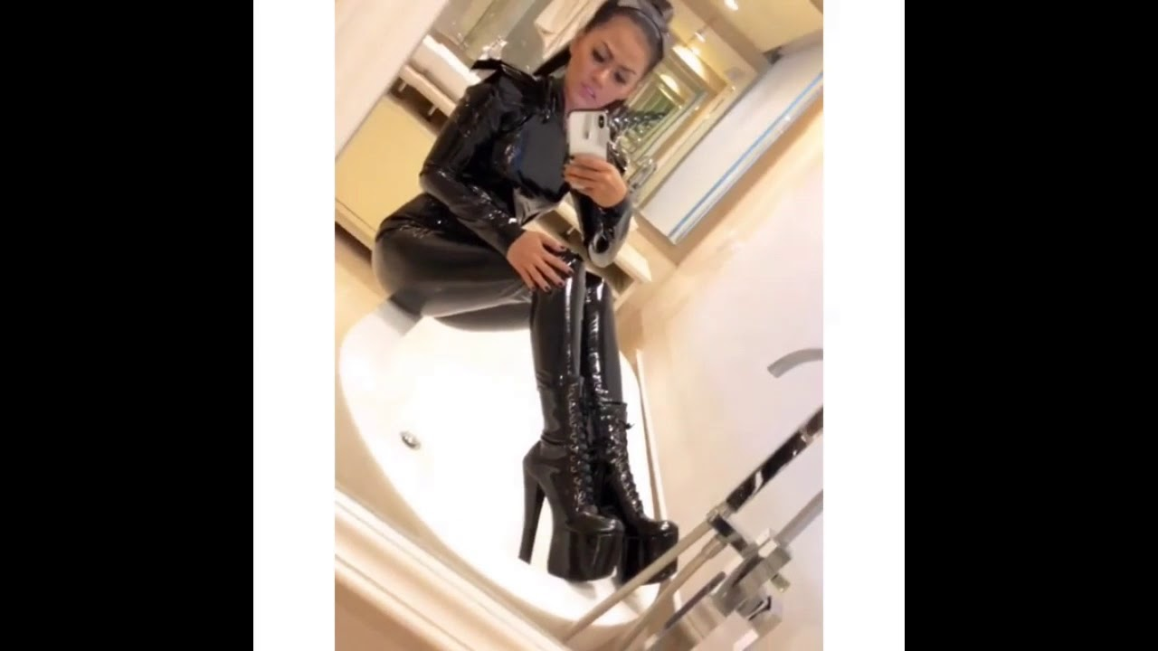 Pin by Da Accout on Baddie outfits | Rain jackets outfit