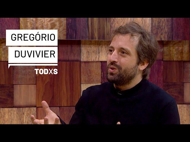 """Duvivier: """"Lidamos com o mal, o bolsonarismo, o milicianismo armado, o fascismo, precede Bolsonaro"""""""