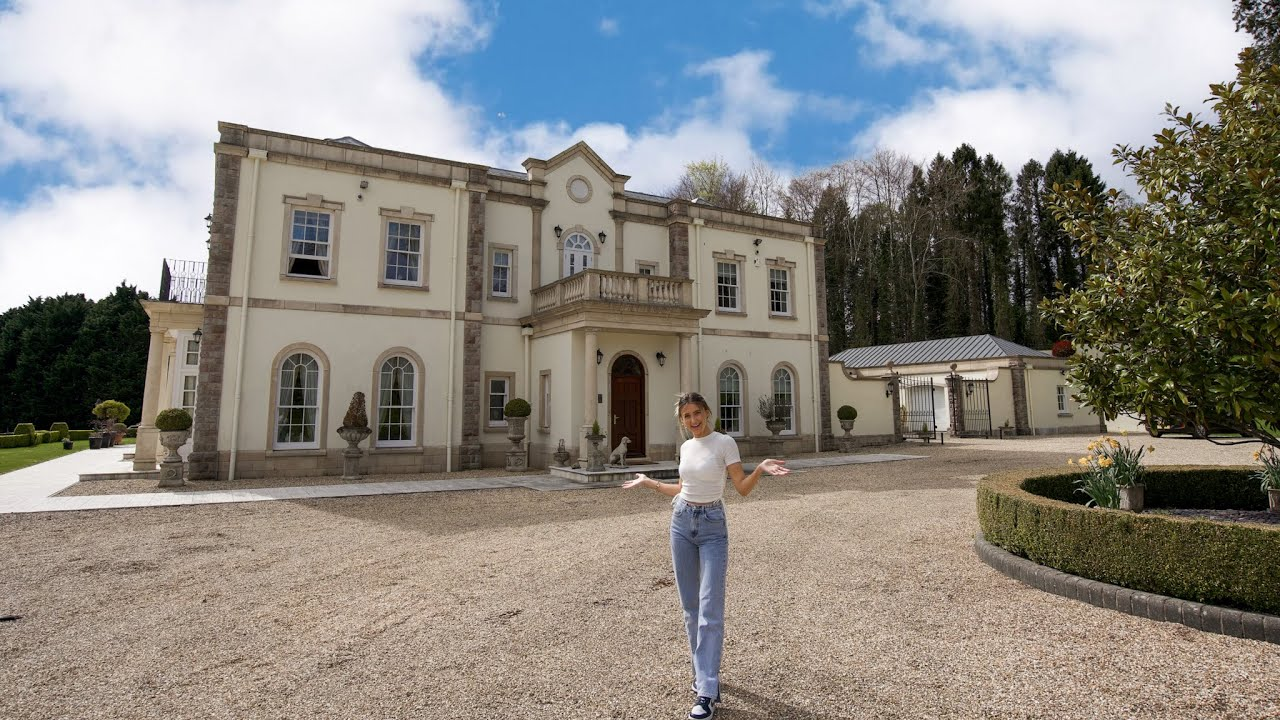 A look inside this regal country manor for sale at £3,750,000 built in 2005!!🤯🗝️👑