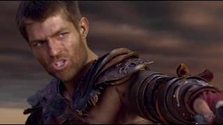 Спартак бьется на импровизированной арене.