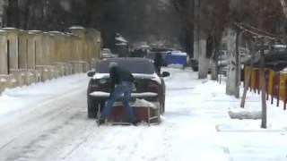 Уборка снега возле школы(, 2013-01-09T15:55:52.000Z)
