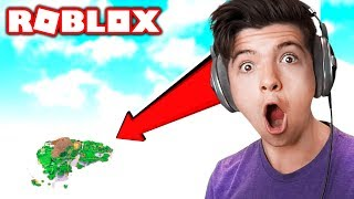 I GLITCHED OUT OF THIS ROBLOX WORLD with MY LITTLE BROTHER!
