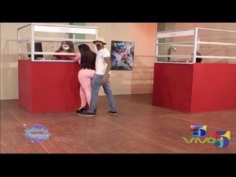 Popolo Distraído En La Agencia De Envios  -  El Show Comedia (The Stalker)