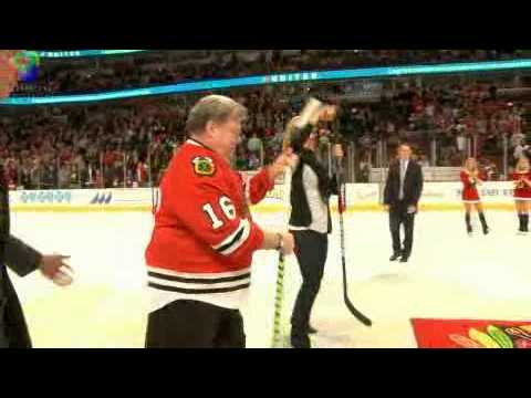 CHICAGO BLACKHAWKS: George Wendt Shoot The Puck