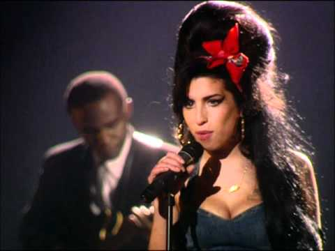 AMY WINEHOUSE - BACK TO BLACK (Live at MTV EMA, 2007)