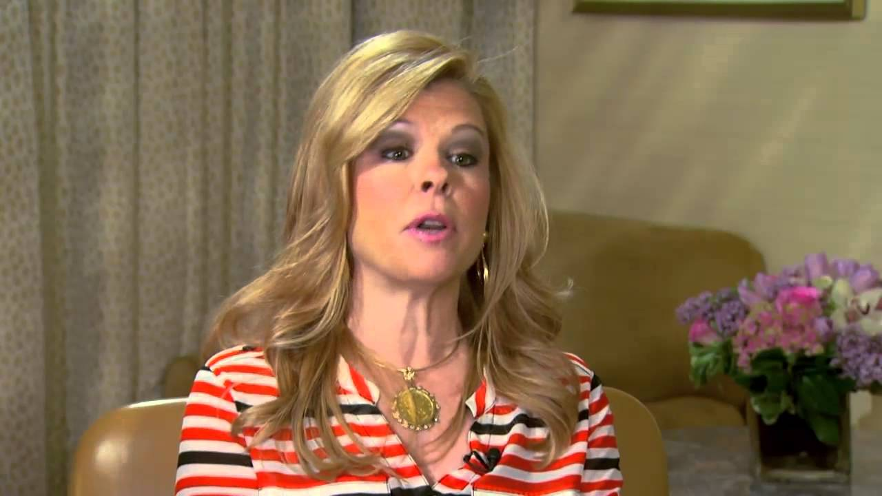 Leigh Anne Tuohy wiki, affair, married, Lesbian with age