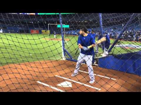 Royals first baseman Eric Hosmer takes batting practice
