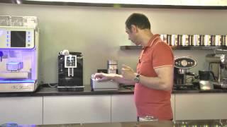 видео Встраиваемая кофемашина для дома