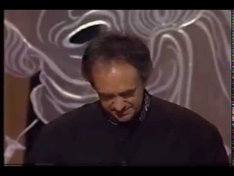 Jonathan Pryce wins 1991 Tony Award for Best Actor in a Musical