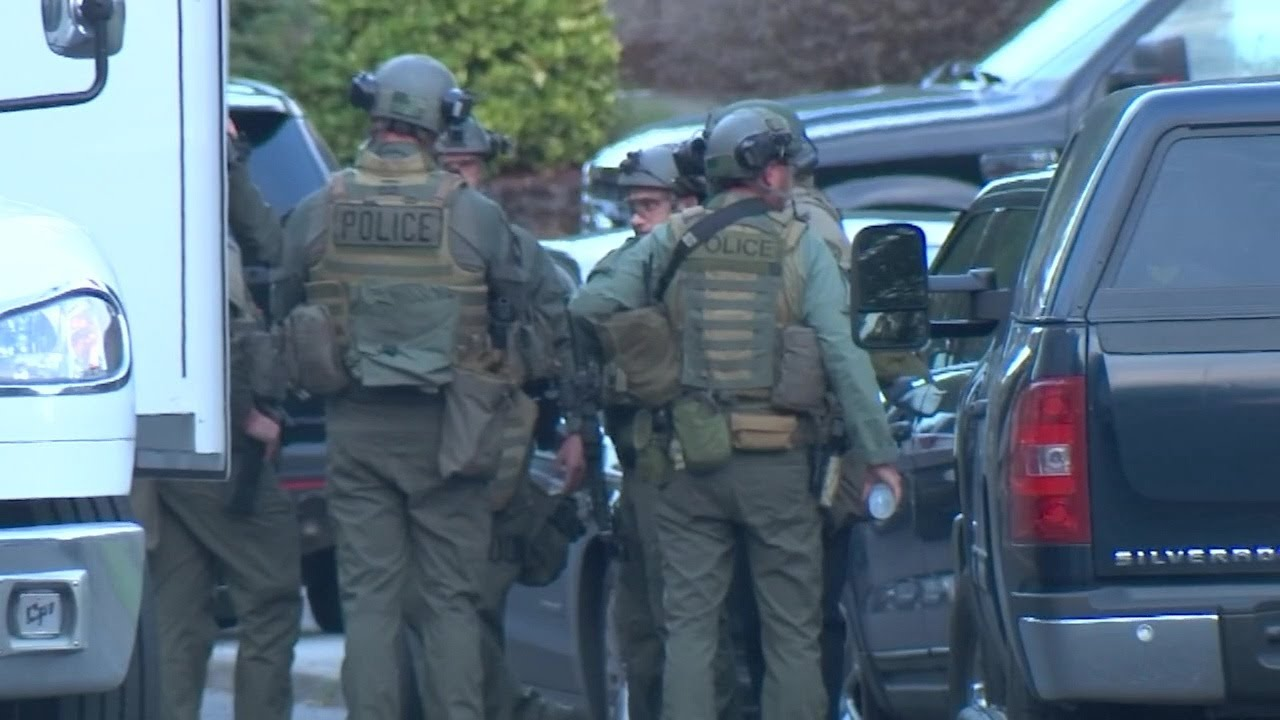Traffic stop in SE Portland leads to hours-long search for armed suspect