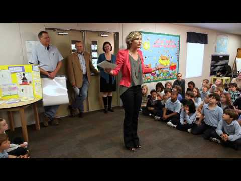 Sugarland TV: Back to School with Jennifer Nettles and Attic Community Playground