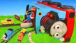 Brio şehrinde tren - itfaiyeci, polis oyuncak arabalar Brio  Thomas and Friends Toy Trains