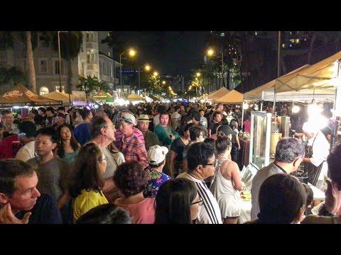 Night market along Kalakaua Avenue, Waikiki, Honolulu, Hawaii