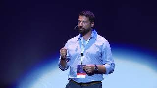 Καθοριστικές στιγμές μέσα σε μια startup | Aimilios Chalamandaris | TEDxPatras