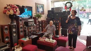 Các Bác hát hò vui vẻ với loa karaoke hay rẻ chất lượng, micro Bay tiếng bài Dư âm tại HUSO AUDIO