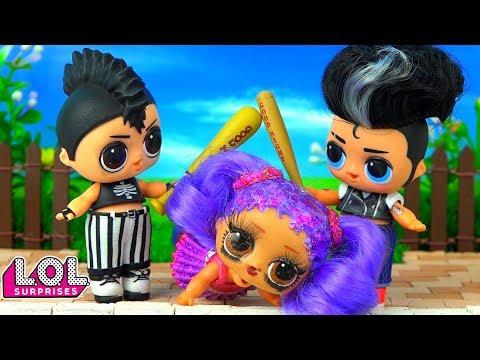 Панки в ШОКЕ! Плохие мальчики напали на Марию! Мультик про школу и куклы лол сюрприз LOL Dolls