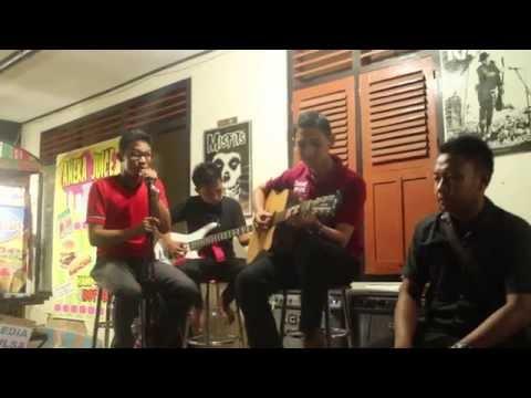 Dimensi - Setiaku Untukmu (live at Cafe Combi - Ngepos)
