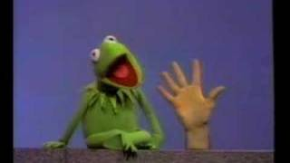 Watch Muppets A Helping Hand video