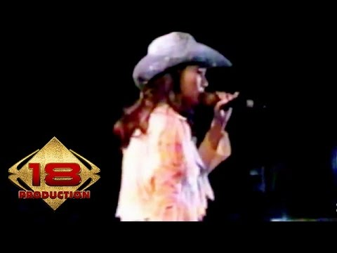 Nini Carlina - Panah Asmara (Live Konser Lumajang 21 Agustus 2006)