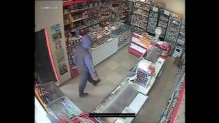 Реальная кража  в магазине. Камеры видеонаблюдения аналоговые.(, 2017-04-18T03:38:23.000Z)