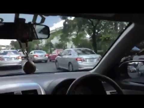 รถแท็กซี่ไล่ตามขบวนนายกฯ