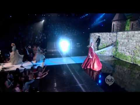 Taylor Swift- Love Story LIVE (JOURNEY TO FEARLESS)