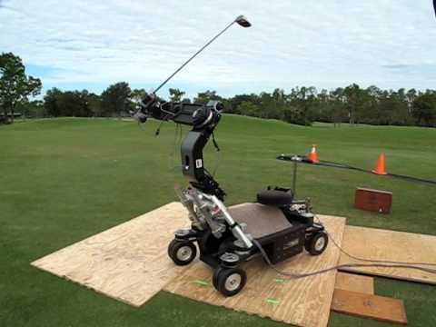 Golf club swinging machine
