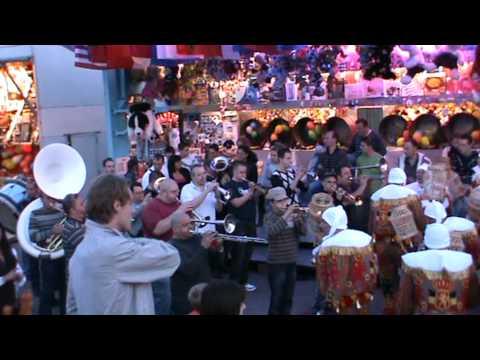la musique des frères , carnaval avec les gilles de Heinsch 2010