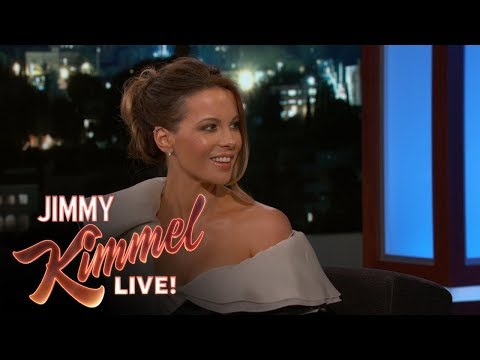 Thumbnail: Kate Beckinsale Sent Nude Pictures to Her Mom