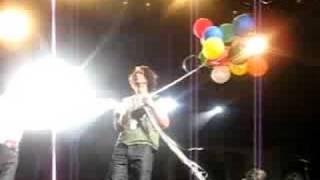 Chester Bennington surprises Chris Cornell
