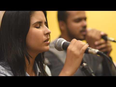 Santo Espírito - Holy Spirit (Kari Jobe Acoustic Cover)