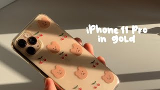 iPhone 11 Pro unboxing (gold)