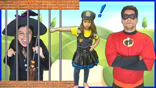 ANNY Finge Brincar de Ser POLICIAL e SALVA o INCRÍVEL / ANNY PRETEND PLAY WITH POLICE COSTUME