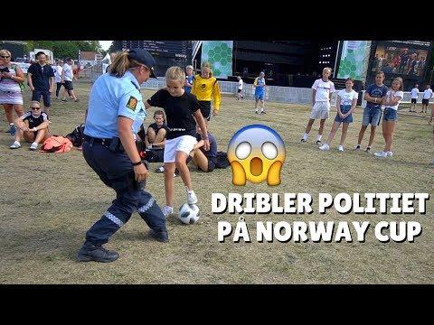 DRIBLER POLITIET! FOTBALLSKILLS PÅ NORWAYCUP?